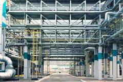 Χημικό εργοστάσιο που παράγει το συνθετικό λάστιχο Στοκ εικόνα με δικαίωμα ελεύθερης χρήσης