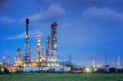 χημικό πετρέλαιο εργοστ&alp Στοκ φωτογραφία με δικαίωμα ελεύθερης χρήσης