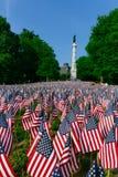 Χιλιάδες αμερικανικές σημαίες που φυτεύονται στη Βοστώνη κοινή, να τιμήσει την μνήμη των πεσμένων στρατιωτών στους πολέμους, κατά στοκ εικόνες με δικαίωμα ελεύθερης χρήσης