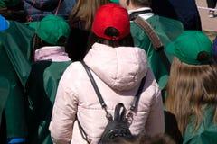 Χιλιάδες κοπάδι ανθρώπων στις οδούς για να έχει τη διασκέδαση στο φραγμό καρναβαλιού οδών της αγάπης συμπόνοιας σχεδόν στοκ φωτογραφία