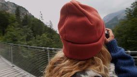 Χιλιετής φωτογράφος τρόπου ζωής υπαίθρια απόθεμα βίντεο