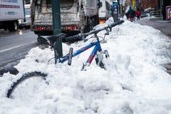 Χιονίζω-στο ποδήλατο στο Μανχάταν Στοκ Εικόνες