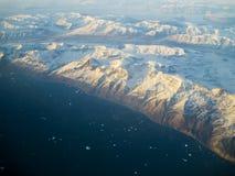 Χιονισμένα βουνά, Γροιλανδία Στοκ φωτογραφία με δικαίωμα ελεύθερης χρήσης