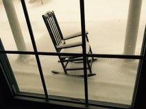 Χιονισμένη λικνίζοντας έδρα Στοκ φωτογραφία με δικαίωμα ελεύθερης χρήσης