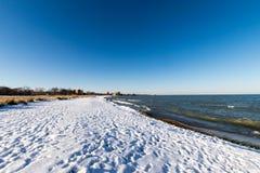 Χιονισμένη παραλία Στοκ φωτογραφία με δικαίωμα ελεύθερης χρήσης