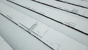 Χιονισμένος σταθμός ηλιακής ενέργειας απόθεμα βίντεο