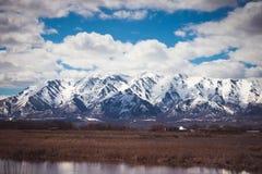Χιονισμένο βουνό του Logan την άνοιξη στοκ φωτογραφία με δικαίωμα ελεύθερης χρήσης