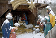 Χιονισμένο παχνί Χριστουγέννων Στοκ εικόνα με δικαίωμα ελεύθερης χρήσης