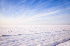Χιονισμένο πεδίο Στοκ εικόνες με δικαίωμα ελεύθερης χρήσης