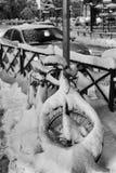 Χιονισμένο ποδήλατο στο κέντρο πόλεων Στοκ Φωτογραφίες