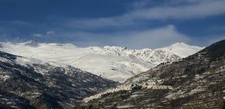 χιονισμένο πόλης λευκό στοκ εικόνες