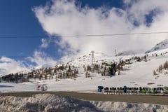Χιονοδρομικό κέντρο στα όρη Bernina με πολλά snowcannons Στοκ εικόνες με δικαίωμα ελεύθερης χρήσης