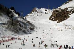 Χιονοδρομικό κέντρο Elbrus Ρωσία, ανελκυστήρας γονδολών, χειμερινά βουνά βουνών τοπίων Στοκ εικόνα με δικαίωμα ελεύθερης χρήσης