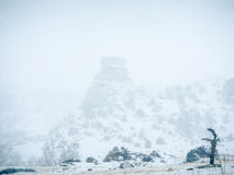 Χιονοθύελλα στο βράχο σωρών σανού στοκ εικόνες με δικαίωμα ελεύθερης χρήσης