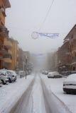 Χιονοπτώσεις στις οδούς πόλεων Στοκ φωτογραφία με δικαίωμα ελεύθερης χρήσης