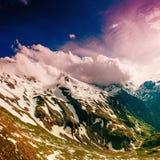 Χιονοσκεπές βουνό Andscape σχεδόν Στοκ Εικόνα