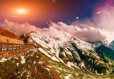 Χιονοσκεπές βουνό Andscape σχεδόν Στοκ Φωτογραφίες
