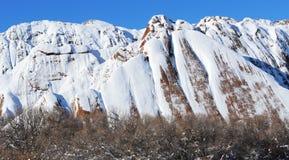 Χιονοσκεπείς λόφοι Στοκ Εικόνες