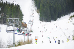 Χιονοδρομικό κέντρο, ανελκυστήρας ανελκυστήρων καρεκλών Στοκ Φωτογραφία