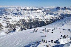 Χιονοδρομικό κέντρο στους δολομίτες Στοκ εικόνες με δικαίωμα ελεύθερης χρήσης
