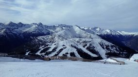 Χιονώδεις λόφοι στην Αυστρία Στοκ Εικόνες
