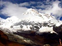 Χιονώδες Annapurna στα βουνά του Ιμαλαίαυ Στοκ Εικόνες