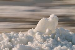 Χιονώδες riverbank Στοκ Εικόνα