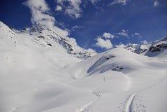 Χιονώδεις αιχμές στις ευρωπαϊκές Άλπεις Στοκ Φωτογραφία