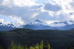 Χιονώδεις κορυφές βουνών Στοκ Εικόνες