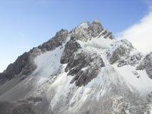 Χιονώδες βουνό Στοκ φωτογραφίες με δικαίωμα ελεύθερης χρήσης