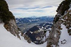 Χιονώδες τοπίο βουνών Στοκ Φωτογραφίες