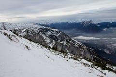 Χιονώδες τοπίο βουνών Στοκ Εικόνες