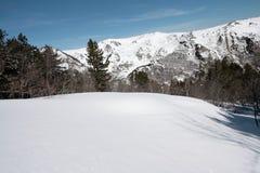 Χιονώδες τοπίο σε Donezan, Πυρηναία Στοκ Φωτογραφία