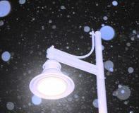 Χιονώδης λαμπτήρας Nightime Στοκ Φωτογραφία