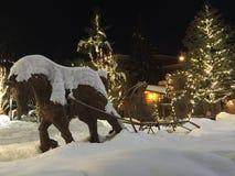 Χιονώδης απόλαυση γύρου ελκήθρων Στοκ εικόνες με δικαίωμα ελεύθερης χρήσης