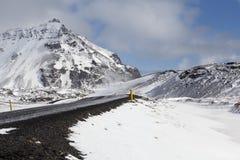 Χιονώδης δρόμος στο wintertime Στοκ Εικόνα
