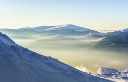 Χιονώδης λόφος Στοκ Εικόνες