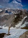 Χιονώδη βουνά του Ίνσμπρουκ, Αυστρία Στοκ φωτογραφία με δικαίωμα ελεύθερης χρήσης