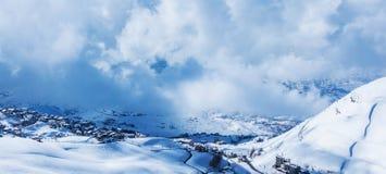Χιονώδη βουνά Στοκ Φωτογραφίες