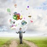 Χιουμοριστικός τύπος με τα μπαλόνια στοκ φωτογραφίες με δικαίωμα ελεύθερης χρήσης