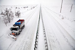 χιόνι αρότρων εθνικών οδών Στοκ φωτογραφία με δικαίωμα ελεύθερης χρήσης