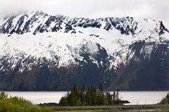 χιόνι βουνών εθνικών οδών αγκυροβολίου της Αλάσκας seward Στοκ εικόνα με δικαίωμα ελεύθερης χρήσης