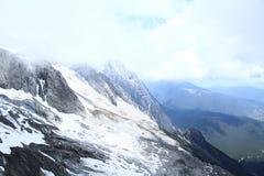 χιόνι βουνών νεφριτών δράκων Στοκ Φωτογραφίες