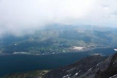 χιόνι βουνών νεφριτών δράκων Στοκ εικόνα με δικαίωμα ελεύθερης χρήσης