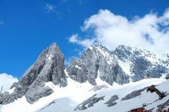 χιόνι βουνών νεφριτών δράκων Στοκ Εικόνα