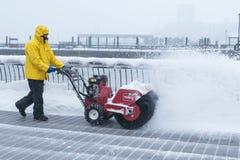 Χιόνι καθαρίσματος Στοκ Φωτογραφίες