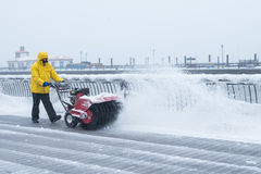 Χιόνι καθαρίσματος Στοκ φωτογραφίες με δικαίωμα ελεύθερης χρήσης