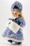 Χιόνι-κορίτσι στο λευκό στοκ εικόνα με δικαίωμα ελεύθερης χρήσης