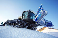 χιόνι μηχανών γατών piste Στοκ Φωτογραφία