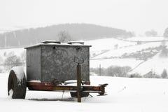 Χιόνι πέρα από το αγρόκτημα του Derbyshire Στοκ Φωτογραφία